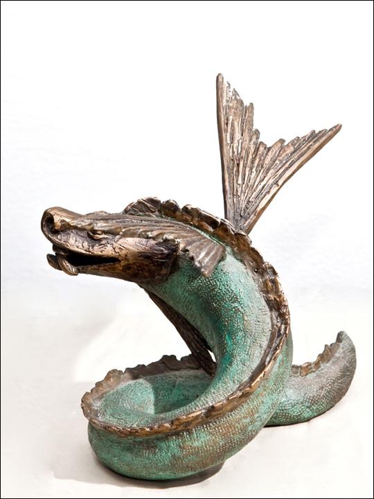 Esculturas decorativas. Dragón marino.