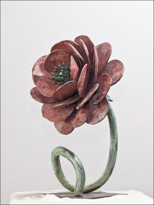 esculturas de flores - flores de bronce - figuras de bronce - Rosa.
