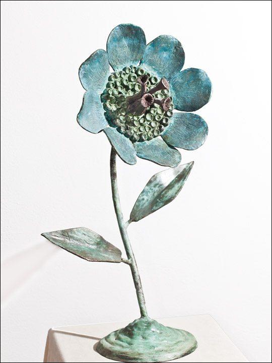 Esculturas de bronce - flores de bronce - Flor azul.