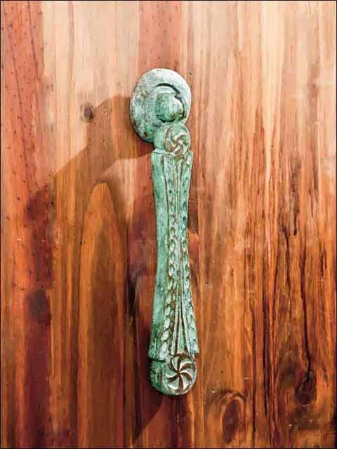 Llamadores de bronce. Aldaba Lauburu-2