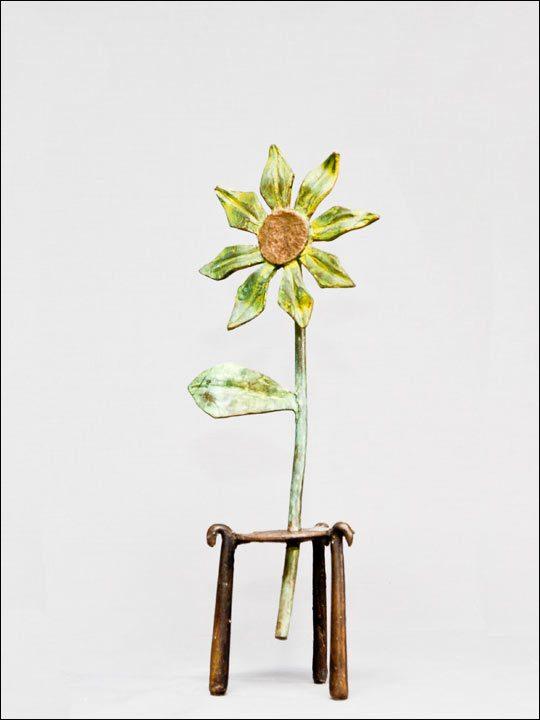 Esculturas de flores. Flor amarilla.