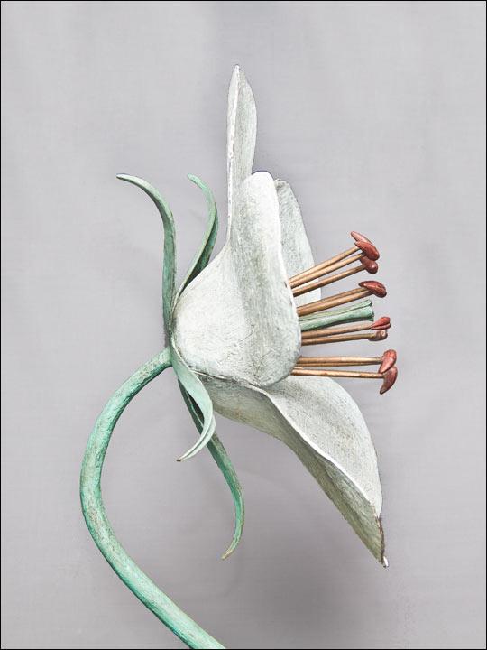Esculturas decoración. Flor blanca.