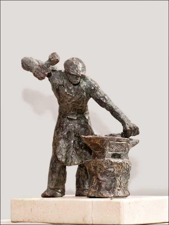 Figuras de bronce. Figuras decorativas - Herrero.