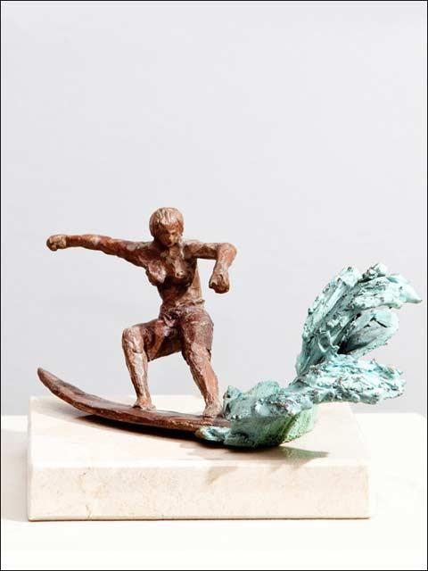 Surfista de bronce